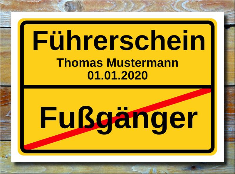 Ortsschild Fußgänger Führerschein