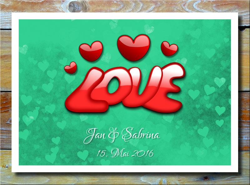 Love auf Herzen in Grün